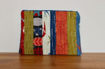 A Dorset Patchworks Bits and Bobs Quilted Pouch (Silver Lining)