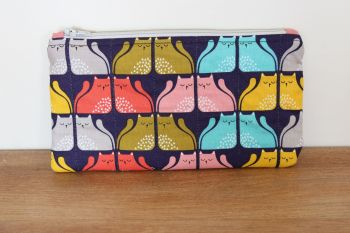 A Dorset Patchworks Bits and Bobs Quilted Pouch (Cool For Cats (A))