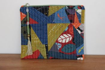 A Dorset Patchworks Bits and Bobs Quilted Pouch (Abstract Silver Lining)