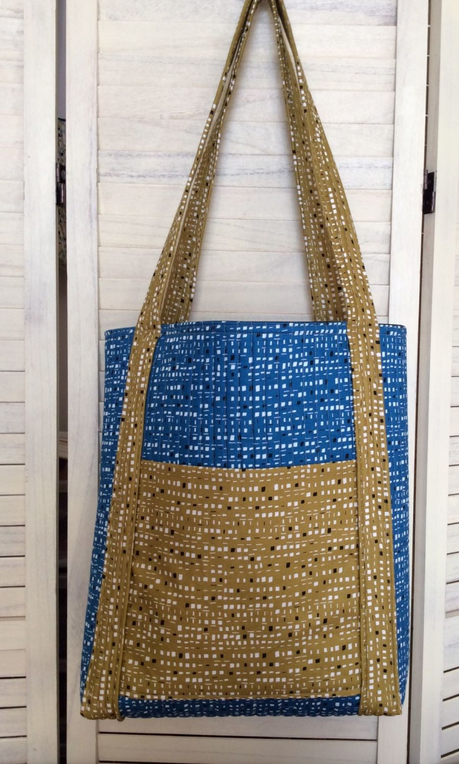 New Horizons Quilted Tote Bag With Pockets