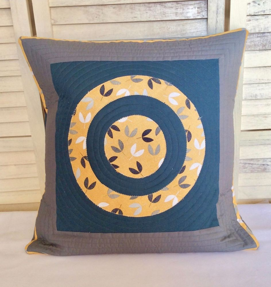 Scattered Seeds (Circle Within Circle) Quilted Cushion Cover