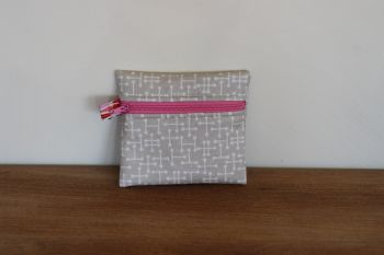 Pale Taupe Coin Purse with Key Ring (Pink Zipper)