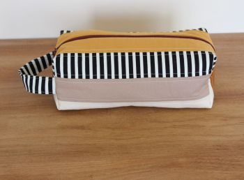 A Dorset Patchworks Bits and Bobs Quilted Box Pouch (Pecan)