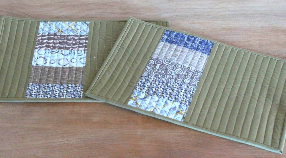 Set of Two Quilted Place Mats (MicroLife Textures - Khaki)(3)