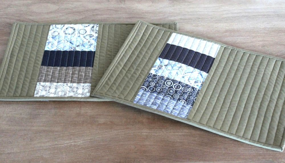 Set of Two Quilted Place Mats (MicroLife Textures - Khaki)(4)