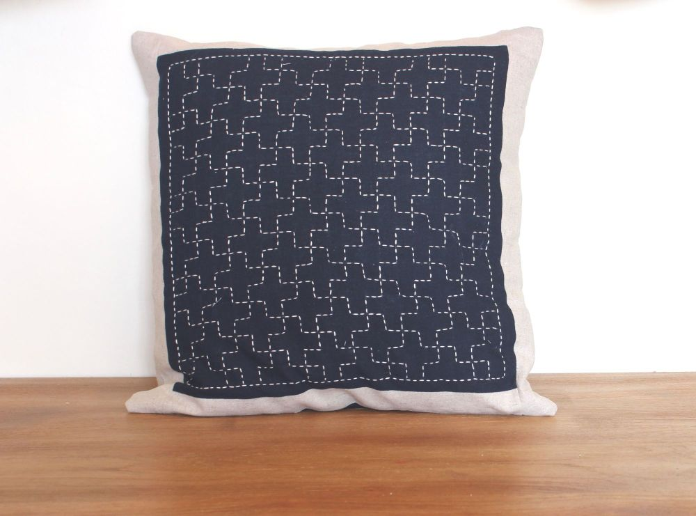 Linked Cross/Jyuji Tsunagi Sashiko Envelope Cushion