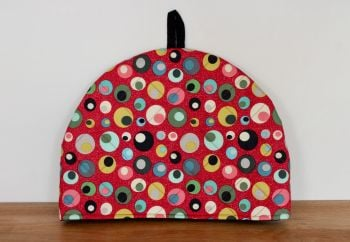 Mid Mod Circles in Red Quilted Tea Cosy(2)