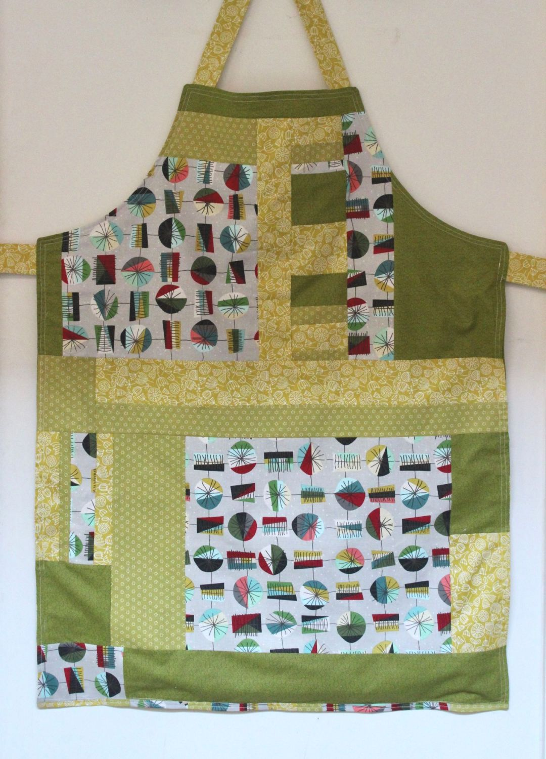 Reversible Apron In Greens/Yellows