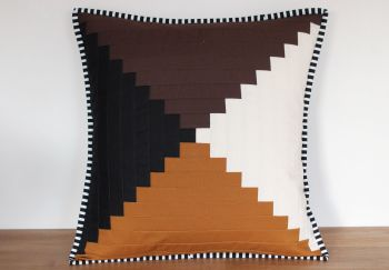 Court House Steps Quilted Cushion(1)