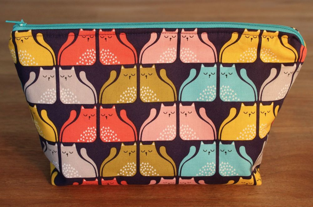 A Dorset Patchworks Bits and Bobs  Pouch (Cool For Cats)