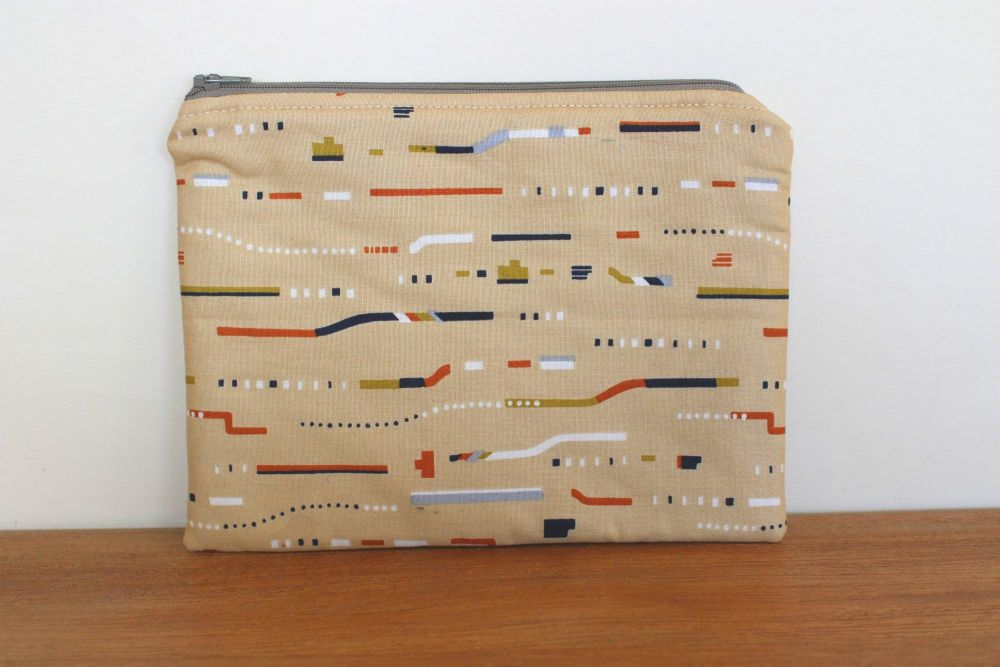 A Dorset Patchworks Bits and Bobs  Pouch (New Horizons)