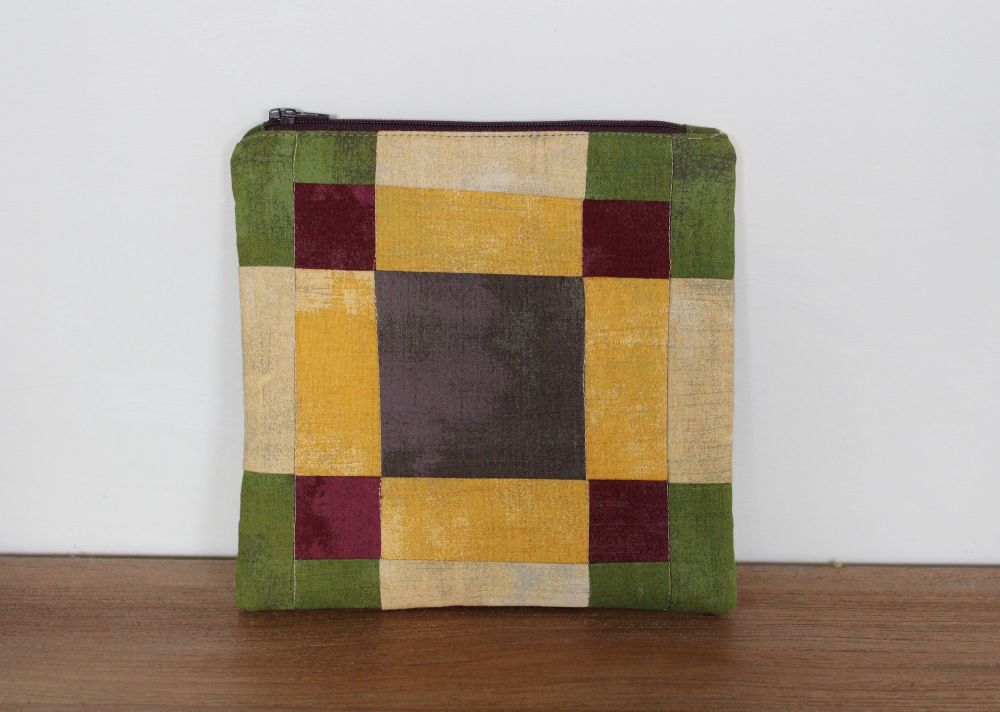 A Dorset Patchworks Bits and Bobs Quilted Pouch (Grunge)
