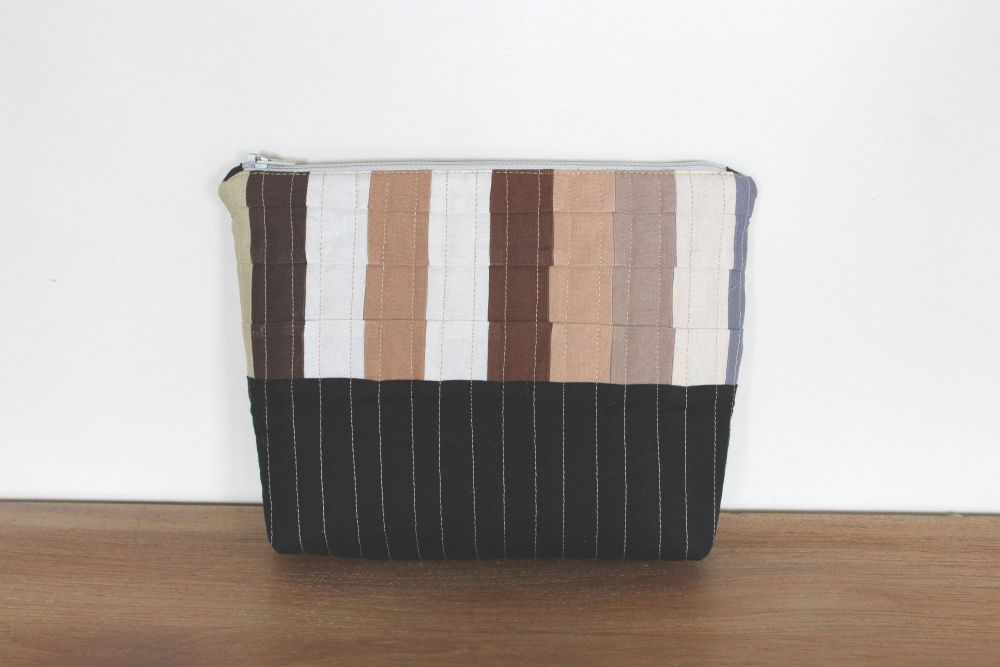 A Dorset Patchworks Bits and Bobs Quilted Pouch (Coffee and Cream)