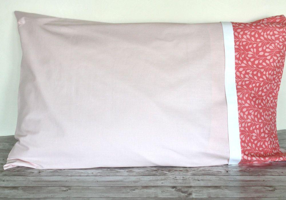 Pair of Suffolk Garden Pillow Cases(1)