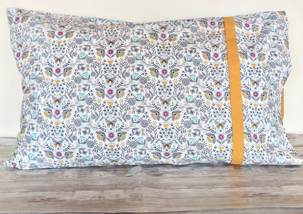 Pair of Summer Dance Pillow Cases(2)