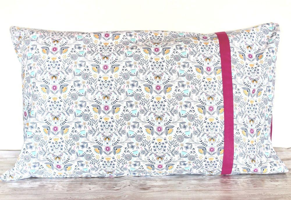 Pair of Summer Dance Pillow Cases(3)