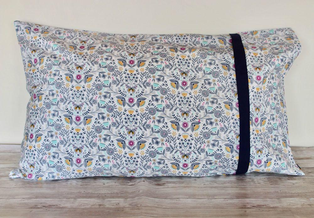 Pair of Summer Dance Pillow Cases(4)