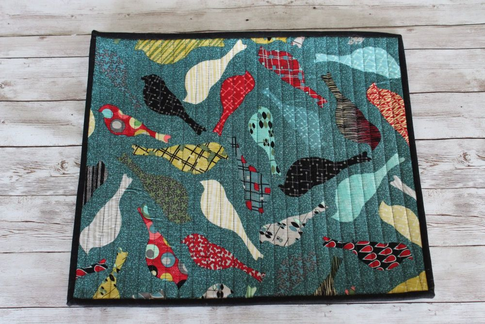 Mid Mod Birds in Teal Quilted Place Mat(1)