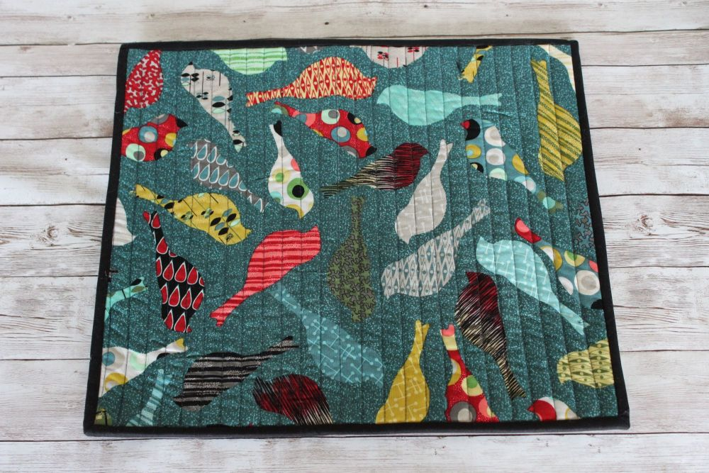 Mid Mod Birds in Teal Quilted Place Mat(5)