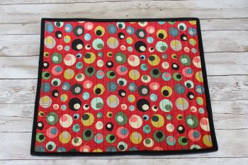 Mid Mod Circles in Red Quilted Place Mat(1)