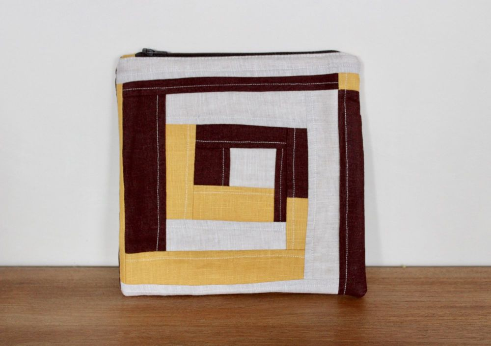 A Dorset Patchworks Bits and Bobs Patchwork  Pouch (Log Cabin)