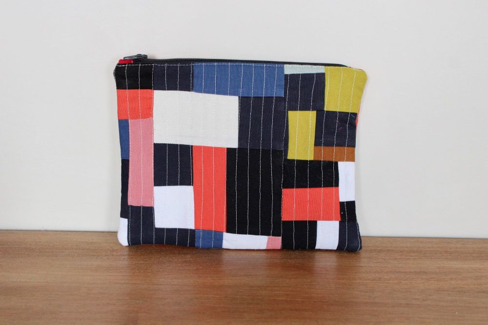 A Dorset Patchworks Bits and Bobs Patchwork  Pouch (Coloured Blocks)(3)