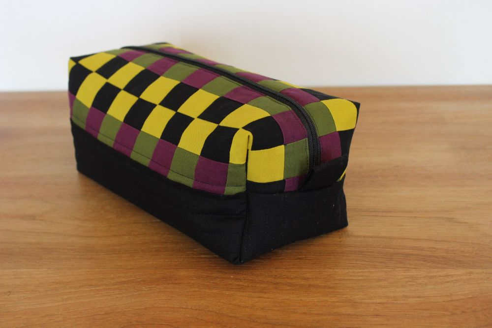 A Dorset Patchworks Bits and Bobs  Box Pouch (Chequerboard)
