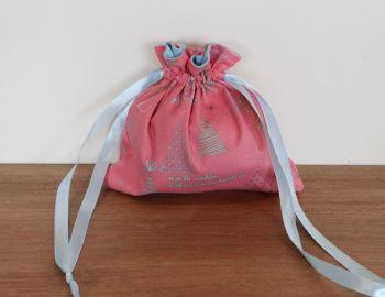 Winter Tales Drawstring Gift Bag(1)
