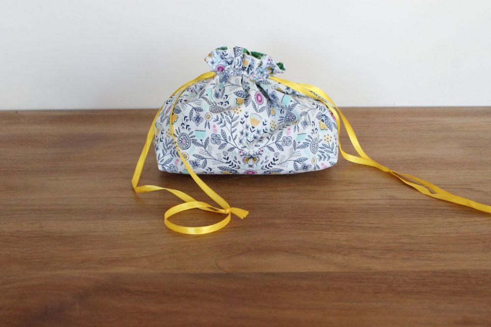 Summer Dance Drawstring Gift Bag(1)