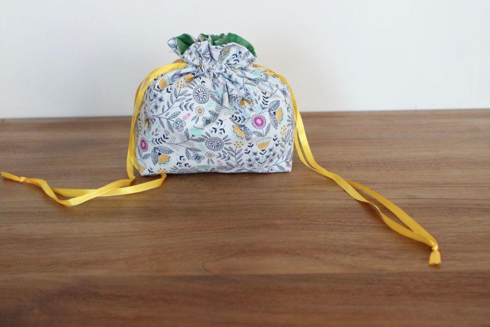 Summer Dance Drawstring Gift Bag(3)
