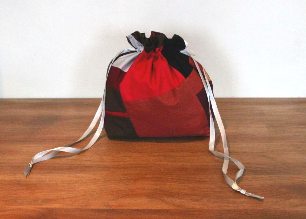 On Point Drawstring Gift Bag