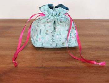 Flock  Drawstring Gift Bag(2)