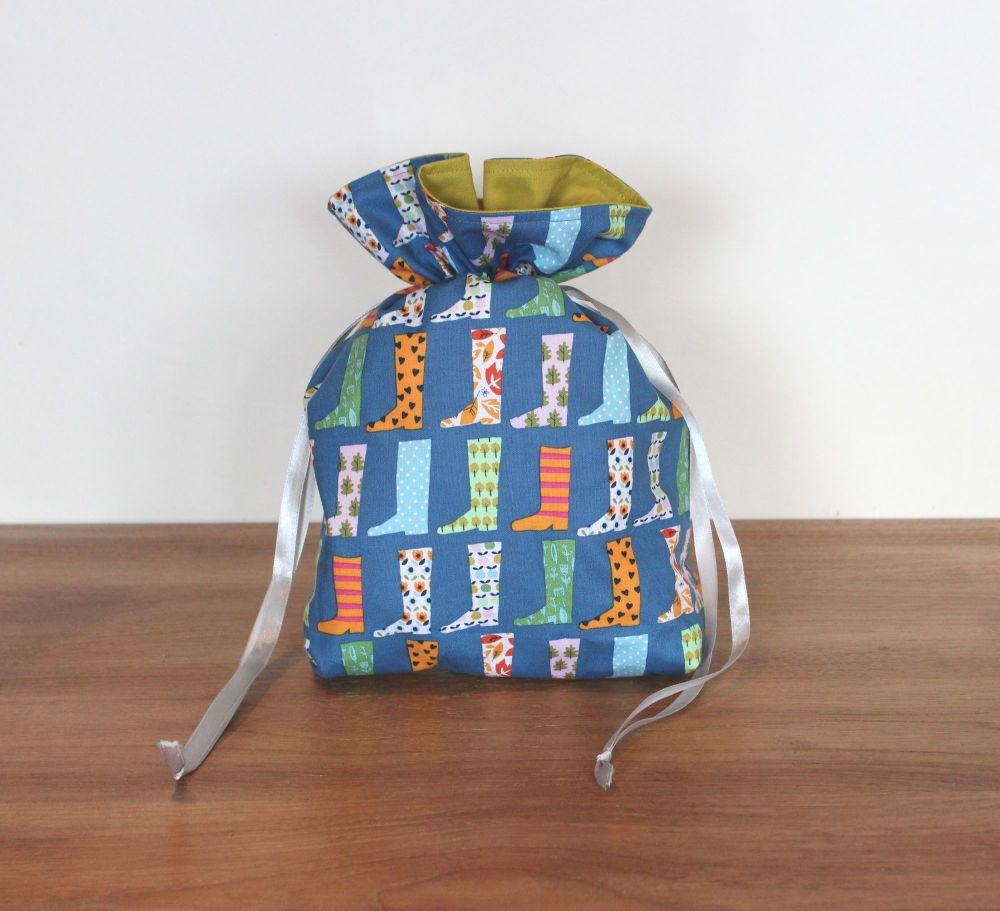 Walk In The Woods - Wellies Drawstring Gift Bag(2)
