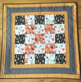 Acorn Wood Patchwork Baby Quilt(1)