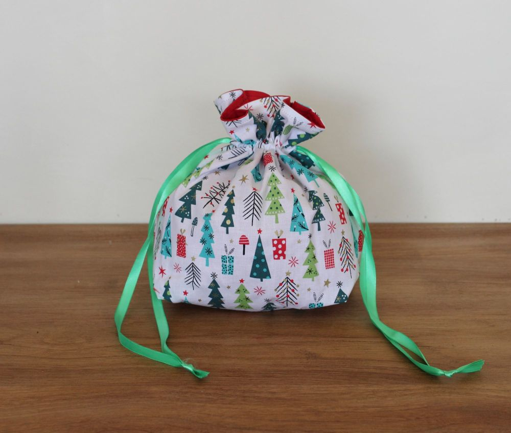 'Forest Friends' Christmas Drawstring Gift Bag(3)