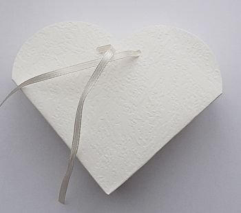 10 Ivory Heart Shape Card Gift Boxes - IVORY Heart Favour Box - WEDDING Favours - GIFT Box - Card BOXES - Wedding CONFETTI