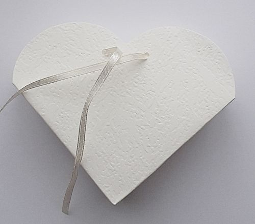 10 Ivory Heart Shape Card Gift Boxes - IVORY Heart Favour Box - WEDDING Fav