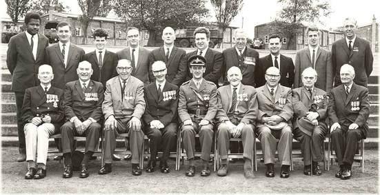 No7 Néry Day Old Comrades - Bazil Cambridge, Ian Mackie, Tony Bridgeman, ?,?,?,?,?, Fred Beard,?
