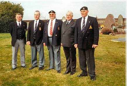 Robbie Ross - Tom Jackson - Andy Munn - Paddy Verdon - Ted Davies at Néry village cemetery