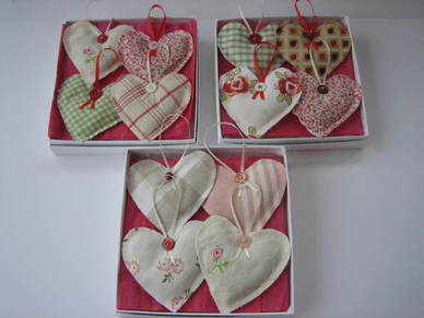 Boxed Sets of 4 Hanging Hearts