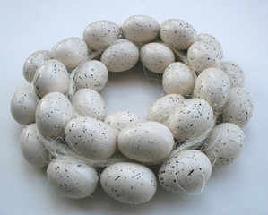 Cream Speckled Egg Wreath