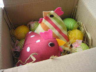Hens in a Nest Gift Box