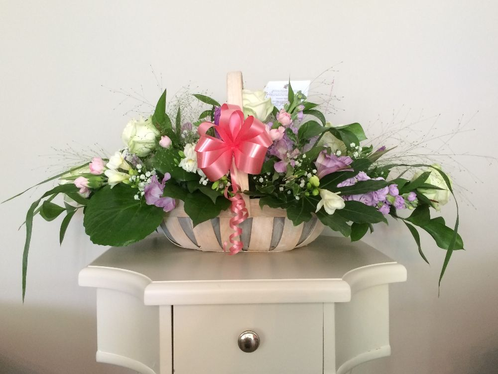 2. Fresh Flower Basket Arrangments