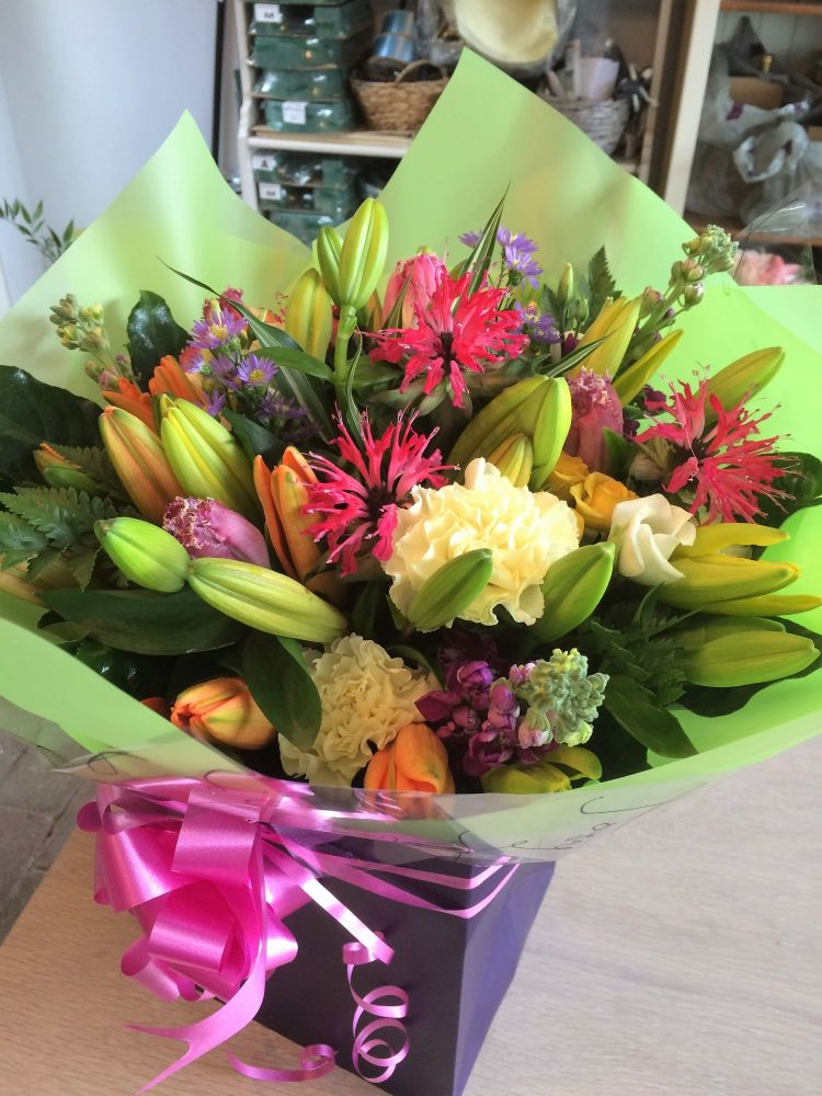 Mixed Lily Bouquet - beautiful luxury flower bouquet - FREE delivery in Ayl