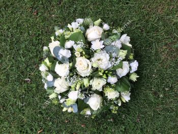 Classic loose open design funeral tribute posy pad - available in a choice of colours and sizes