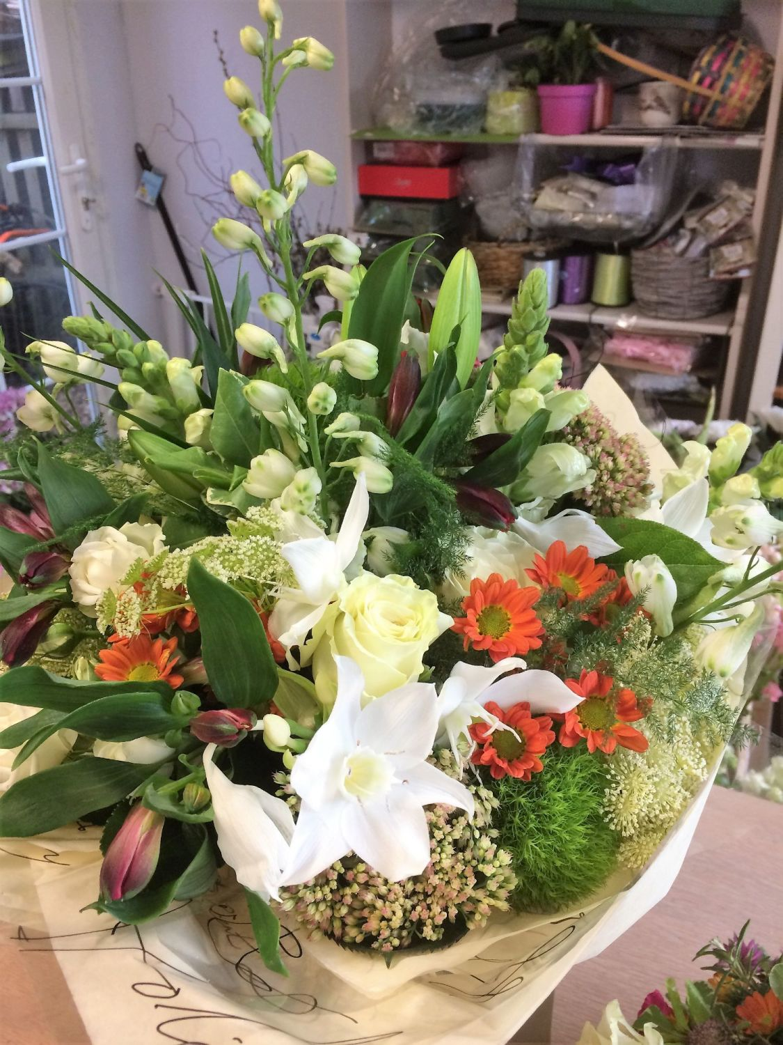 Aylesbury florist free same day delivery flower bouquets with no luxury mixed seasonal fresh flower bouquets perfect gift for birthday anniversary new izmirmasajfo Gallery