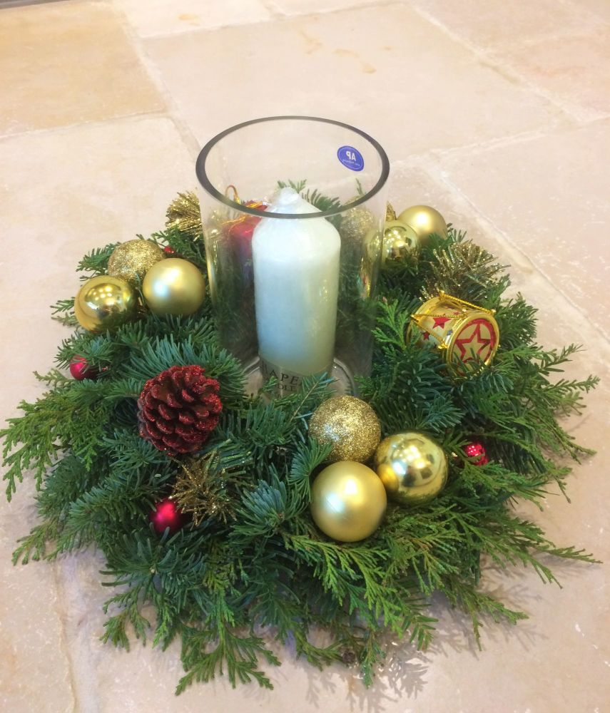 Christmas table wreath arrangement - £25.00 with FREE local delivery