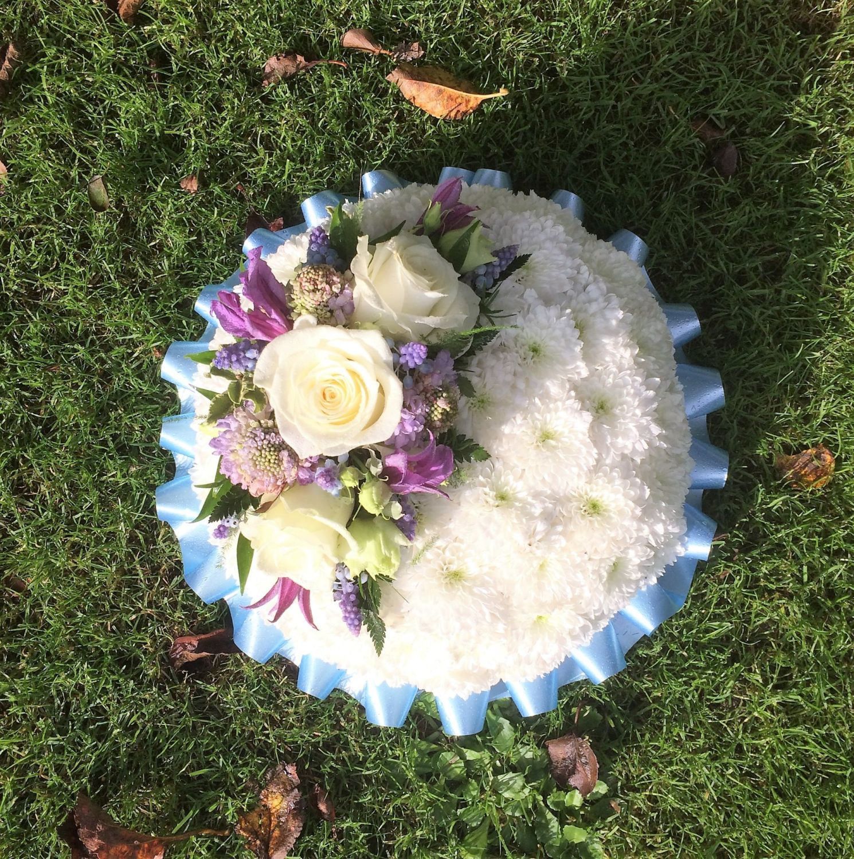 Funeral flowers wreaths crosses coffin sprays hp22 aylesbury funeral tribute based posy pad white yellow or pink chrysanthemum based with flower izmirmasajfo