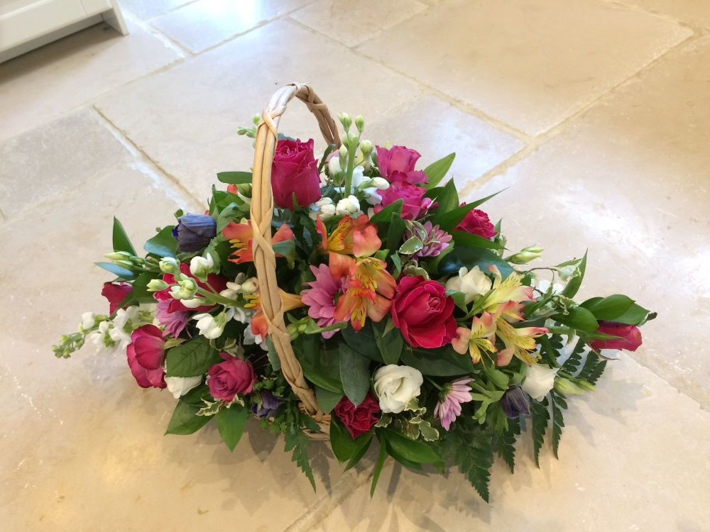 Gift Basket Roses Fresh Flowers Trug Free Same Day Delivery Aylesbury Florist Willow House Flowers Weston Turville Aston Clinton
