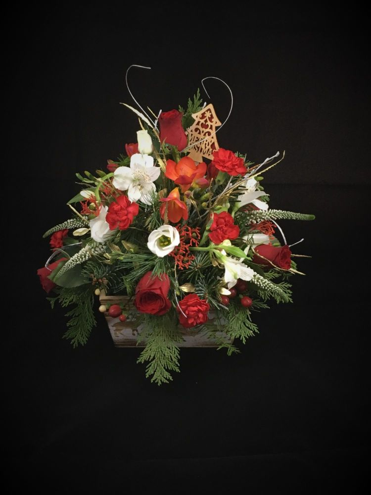 Luxury Christmas Table floral arrangement - £35.00